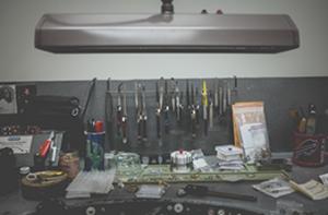 Imagen de un taller con herramientas