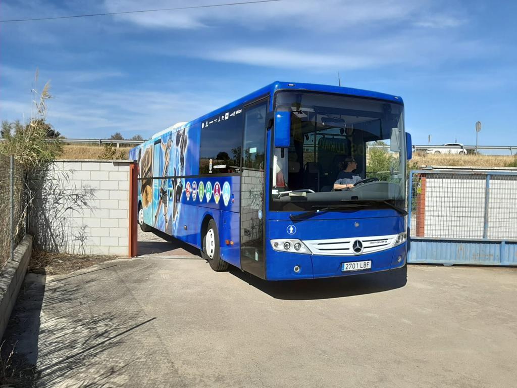 Autobús con vinilo fundido