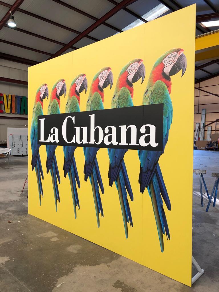 Photocall compañía La Cubana para «Adiós Arturo»